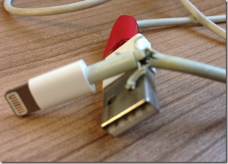 Defektes iPhone Lightning Ladekabel