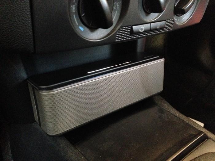 bluetooth lautsprecher als radioersatz im auto ekiwi. Black Bedroom Furniture Sets. Home Design Ideas